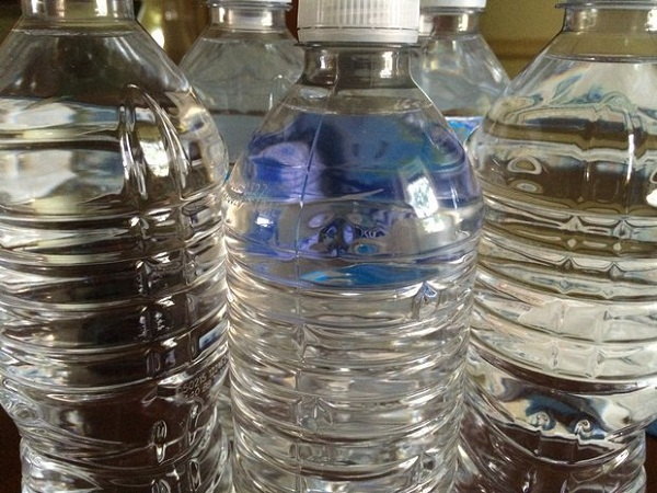 5 reasons why you should not return to drink bottled water anymore